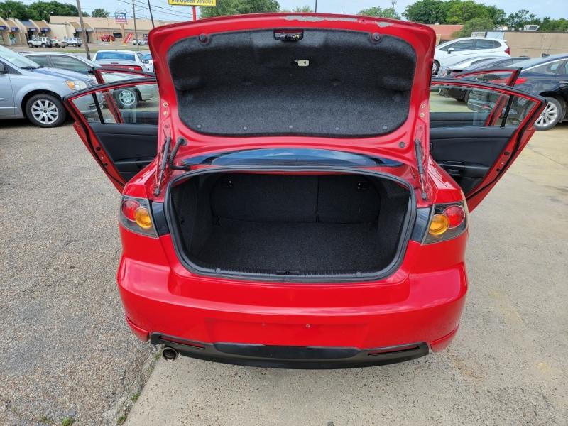 Mazda 3 2005 price $6,100