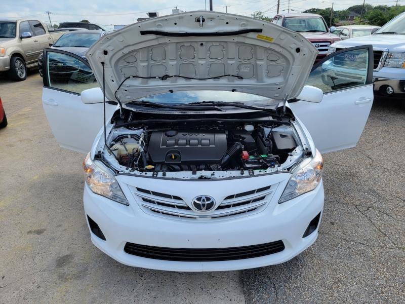 Toyota Corolla 2013 price $8,600