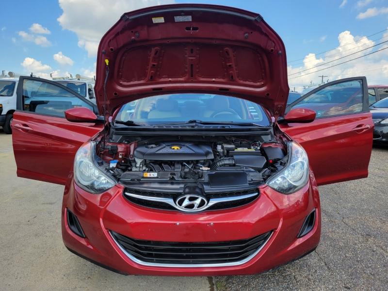 Hyundai Elantra 2013 price $8,800