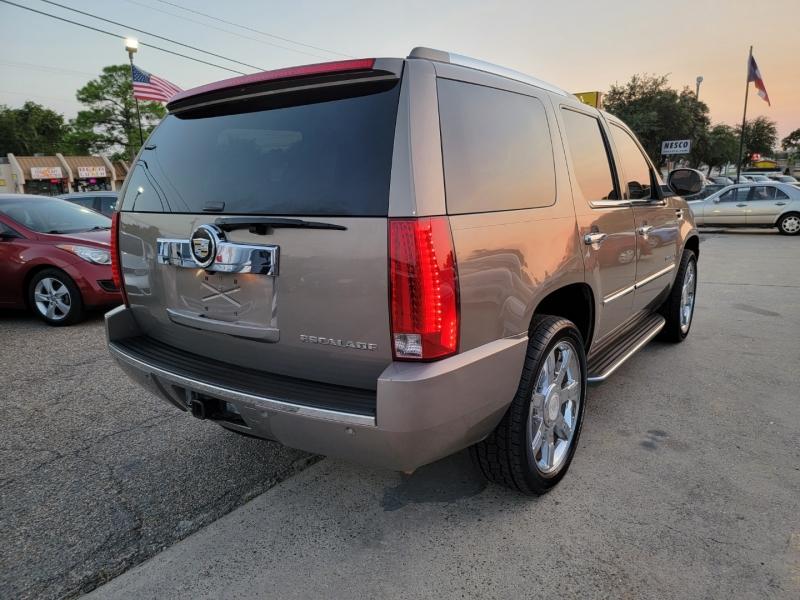 Cadillac Escalade 2007 price $13,899