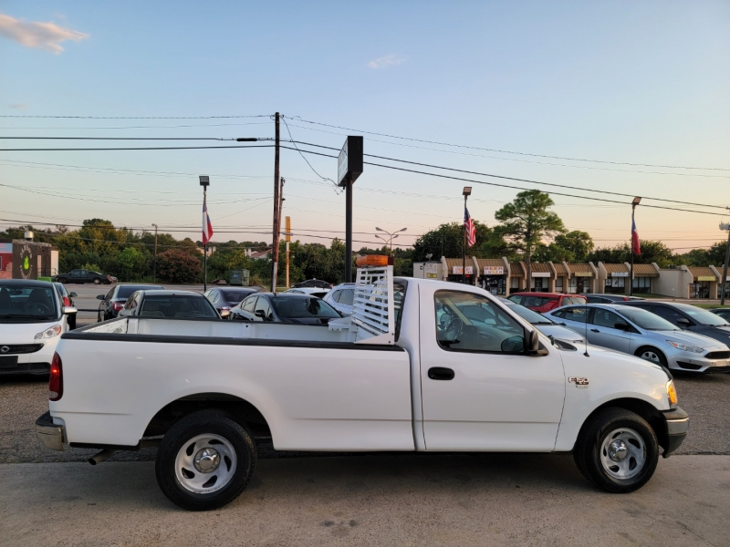 Ford F-150 2001 price $7,399