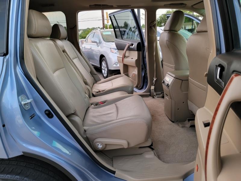 Toyota Highlander 2008 price $12,599