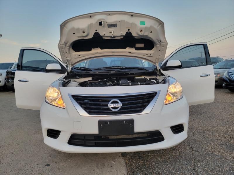 Nissan Versa 2014 price $9,299