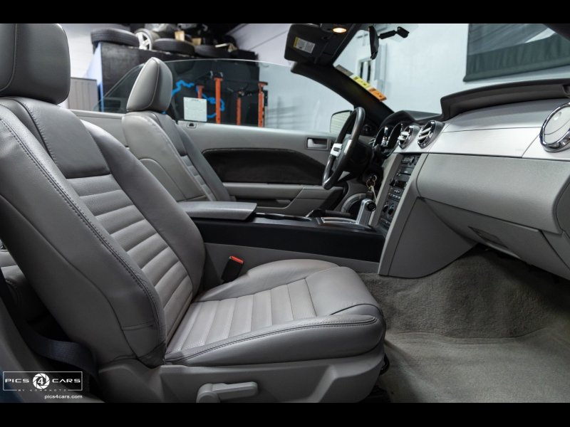 Ford Mustang Conv *GT Deluxe* 2007 price $23,488