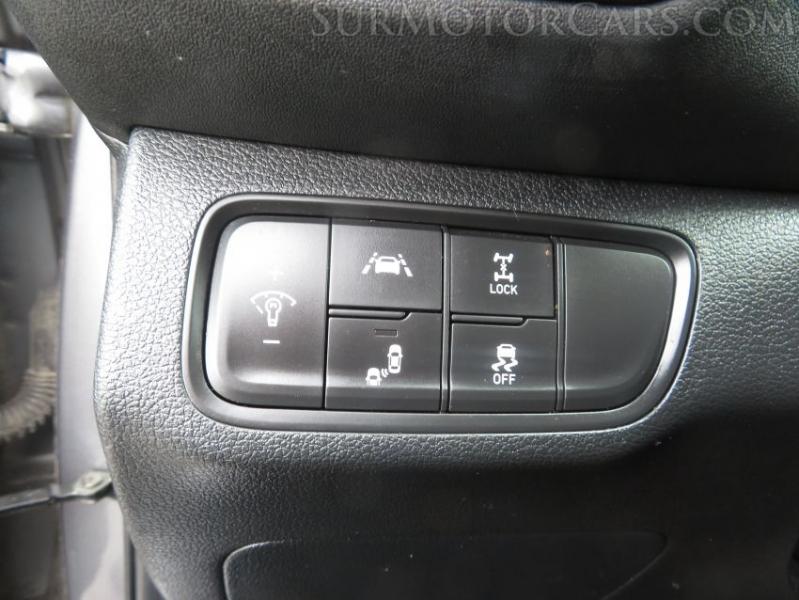 Hyundai Santa Fe 2019 price $14,950