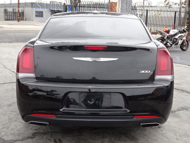 Chrysler 300 2018 price $14,950