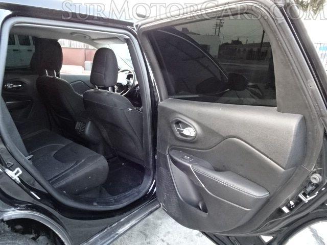 Jeep Cherokee 2019 price $11,950