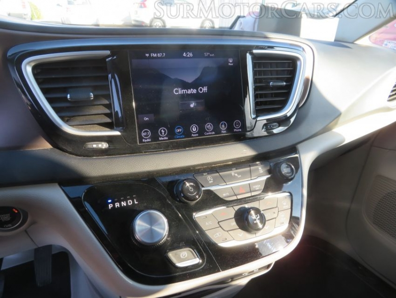 Chrysler Pacifica 2018 price $14,950