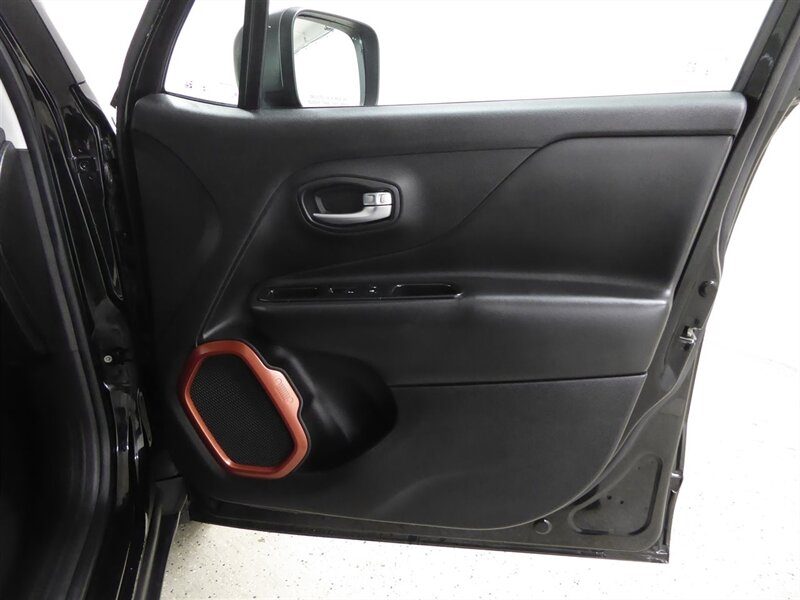 Jeep Renegade 2015 price $16,500