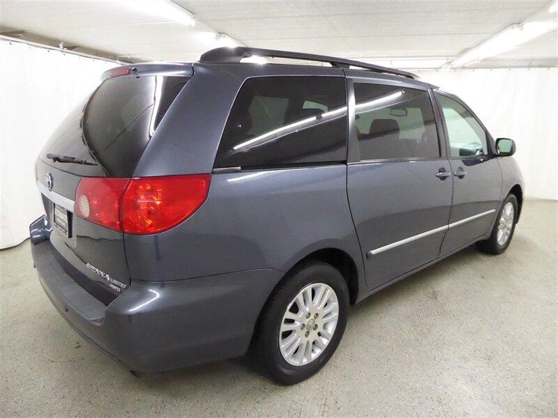 Toyota Sienna 2008 price $7,950