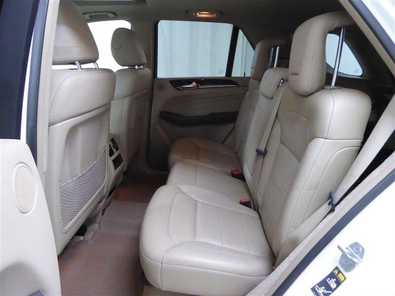 Mercedes-Benz M-Class 2012 price $15,000