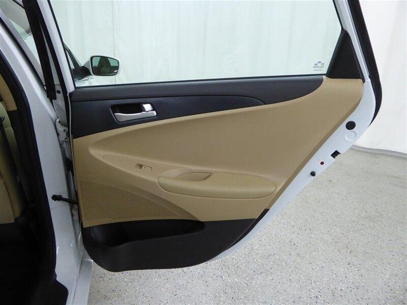 Hyundai Sonata 2012 price $7,000