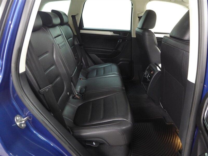 Volkswagen Touareg 2016 price $27,000