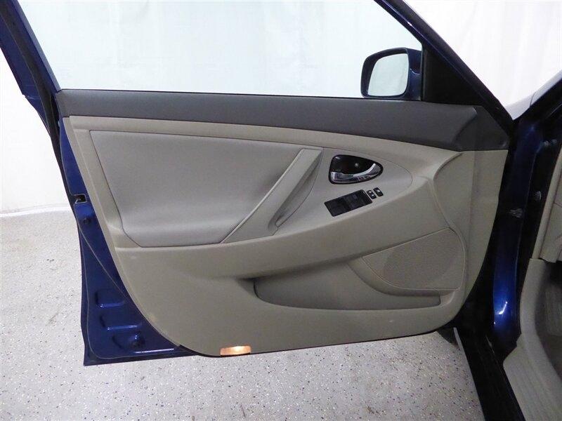 Toyota Camry Hybrid 2008 price $7,000