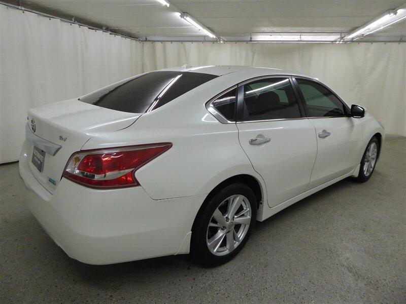 Nissan Altima 2013 price $10,000