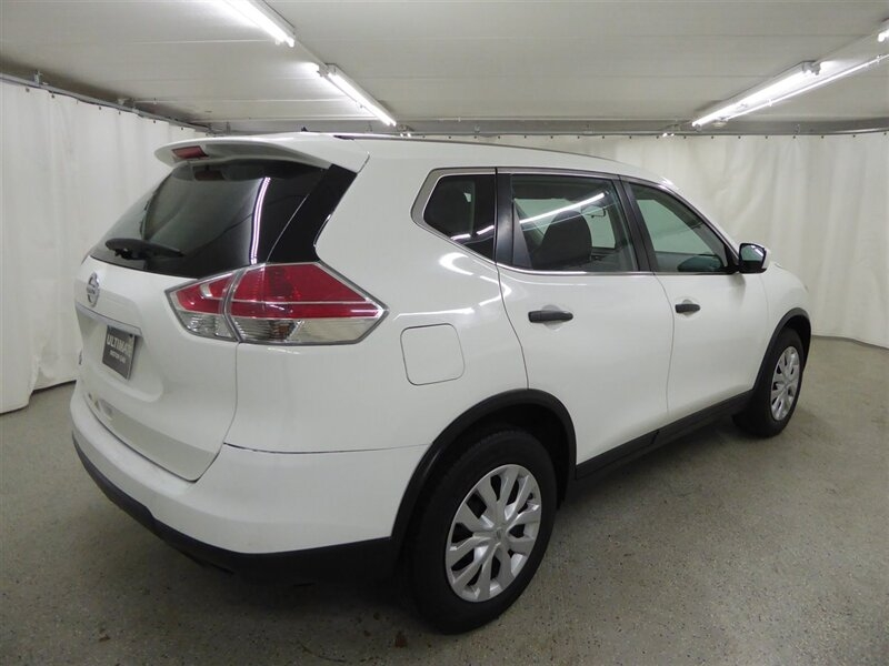 Nissan Rogue 2016 price $12,300