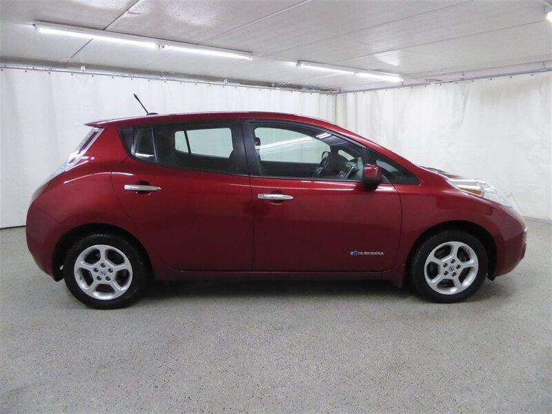 Nissan Leaf 2013 price $6,800