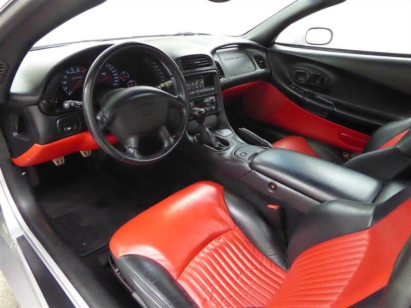 Chevrolet Corvette 2001 price $26,000