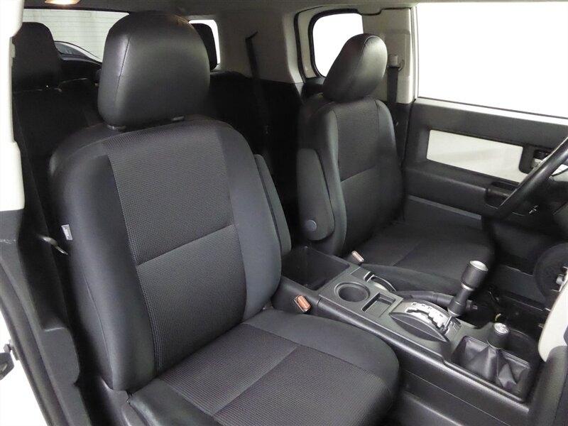 Toyota FJ Cruiser 2013 price $25,000
