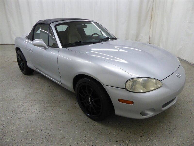 Mazda MX-5 Miata 2002 price $9,000