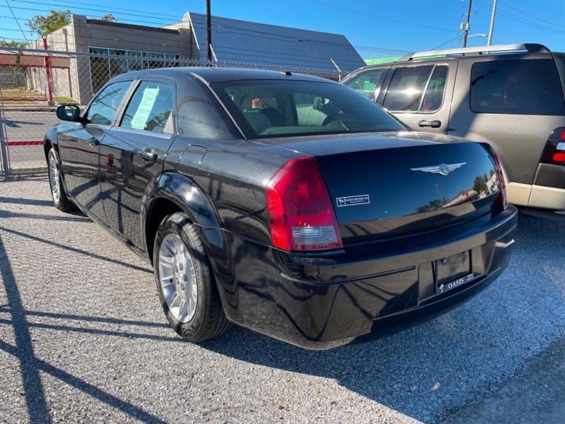 CHRYSLER 300 2007 price $5,999