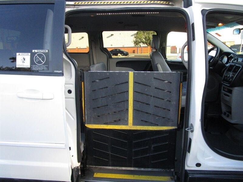 Dodge Grand Caravan 2013 price $9,999