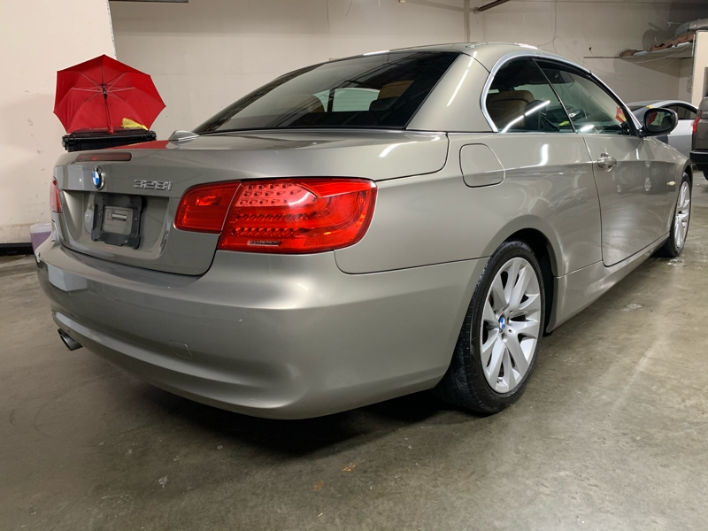 BMW 3 Series 2011 price $10,988