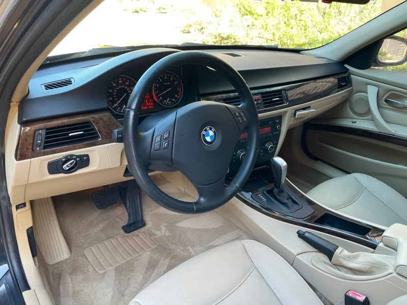 BMW 3-Series 2011 price $10,488