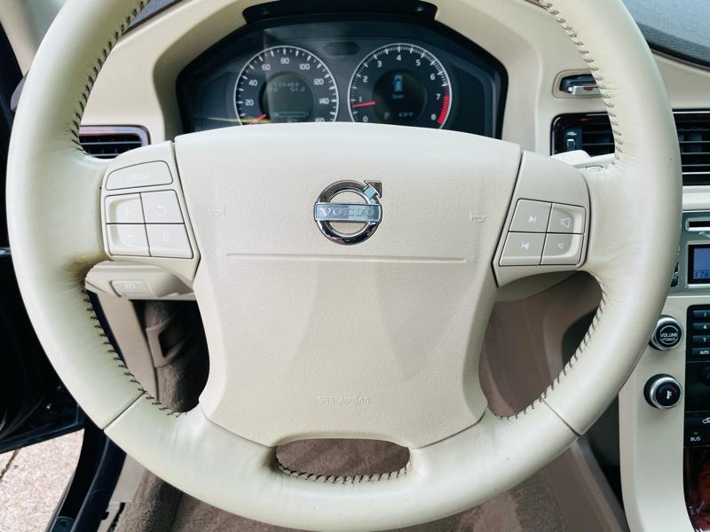 Volvo V70 2008 price $6,899