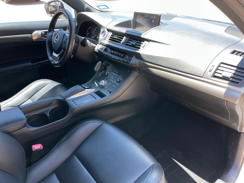 Lexus CT 200h 2015 price $18,688