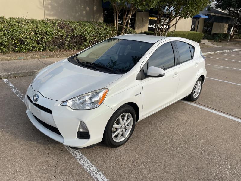 Toyota Prius c 2014 price $9,888