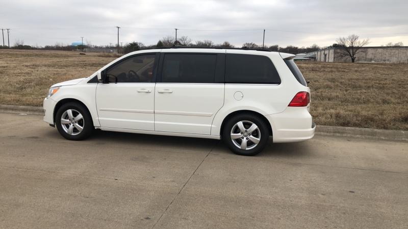 Volkswagen Routan 2009 price $1,200 Down