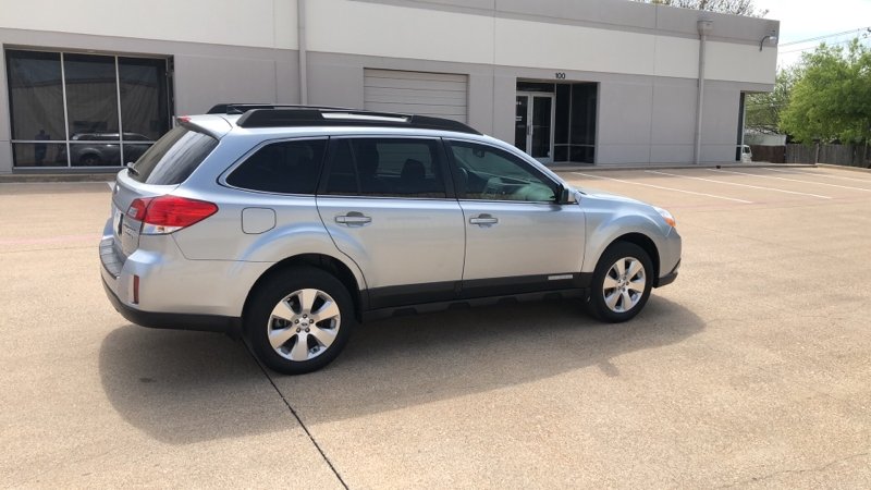 Subaru Outback 2012 price $1,400 Down