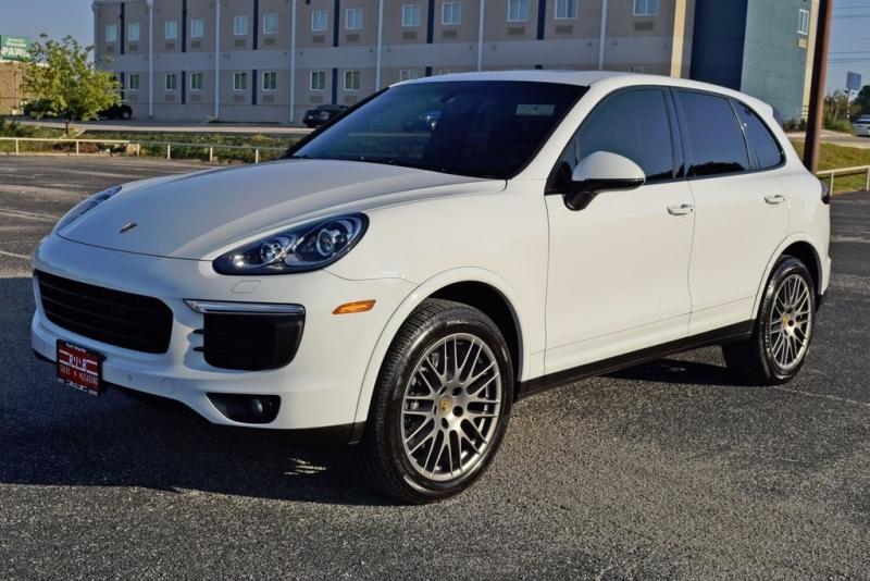 Porsche Cayenne 2017 price $43,750