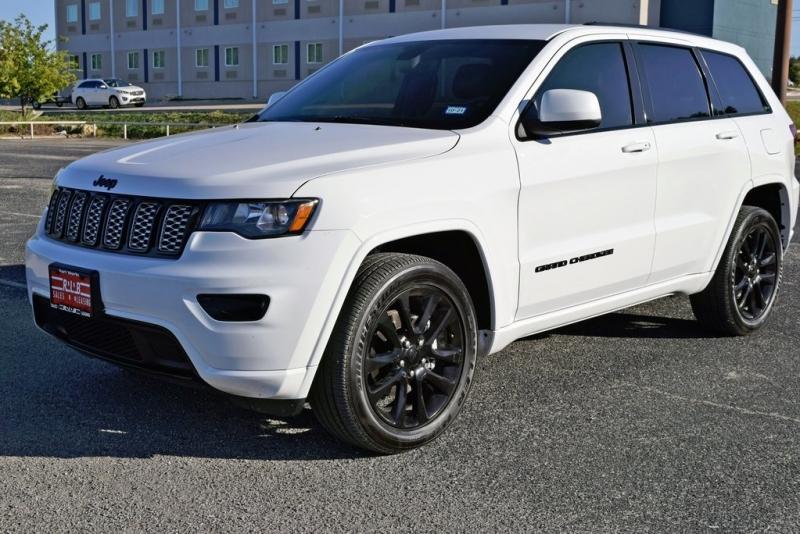 Jeep Grand Cherokee 2020 price $32,900