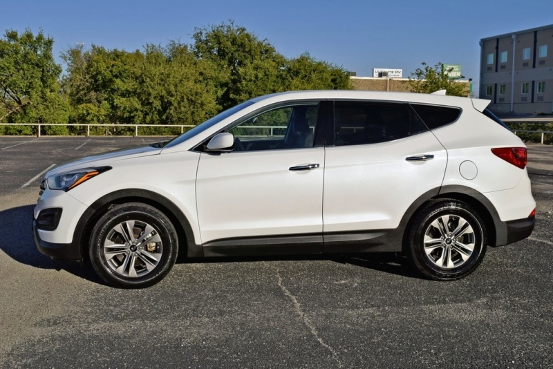 Hyundai Santa Fe Sport 2015 price $13,250
