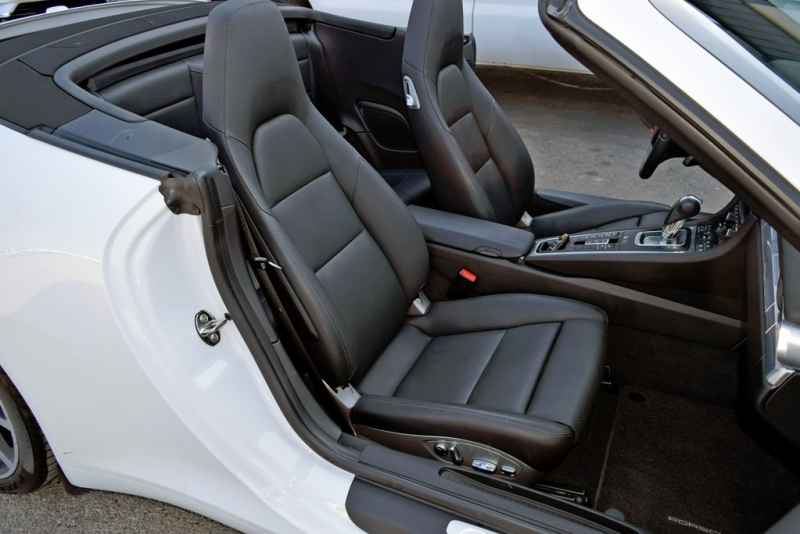 Porsche 911 2013 price $73,790