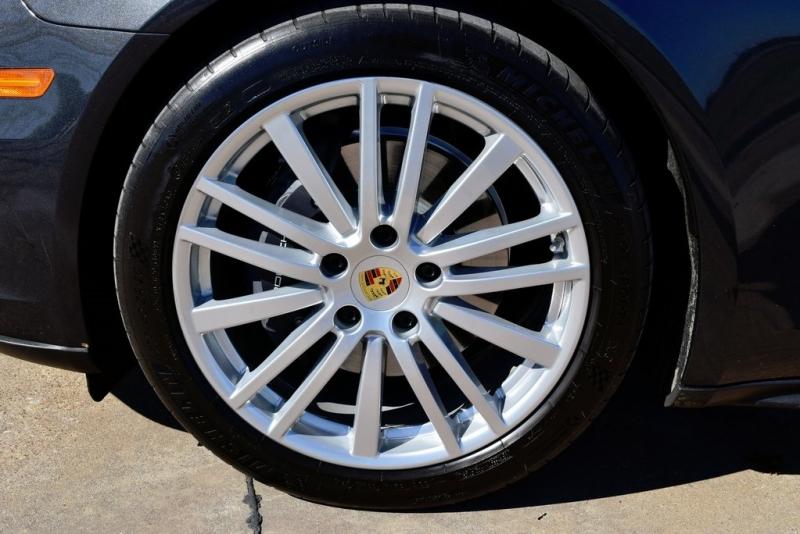 Porsche Panamera 2017 price $62,222