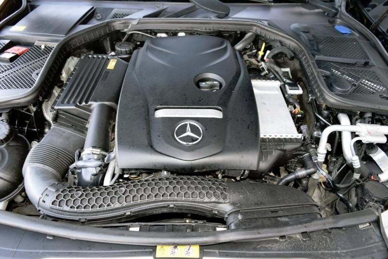 Mercedes-Benz C-Class 2015 price $17,950