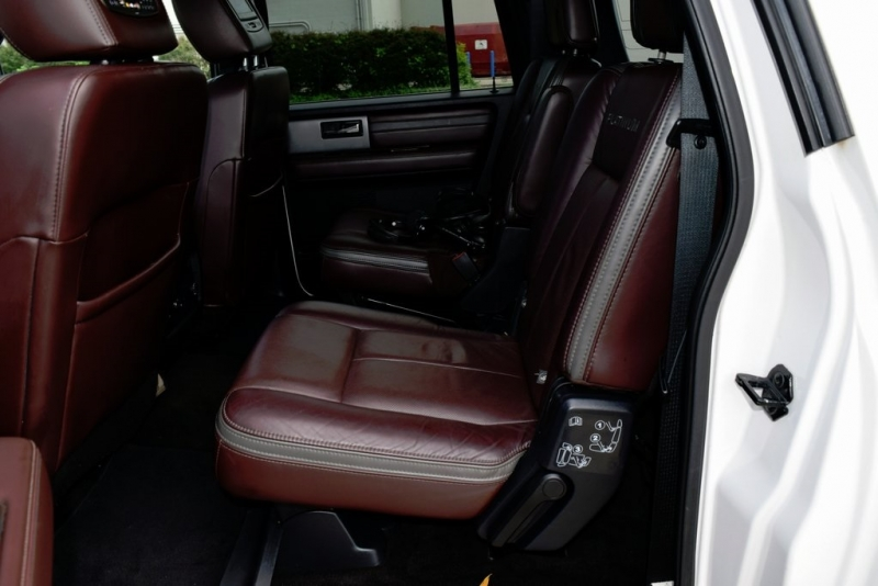 Ford Expedition EL 2015 price $25,900