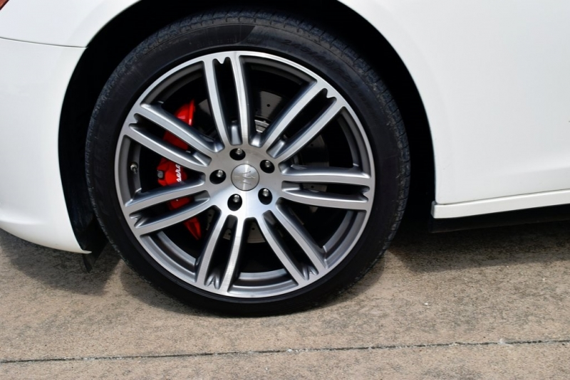 Maserati Quattroporte 2017 price $43,750