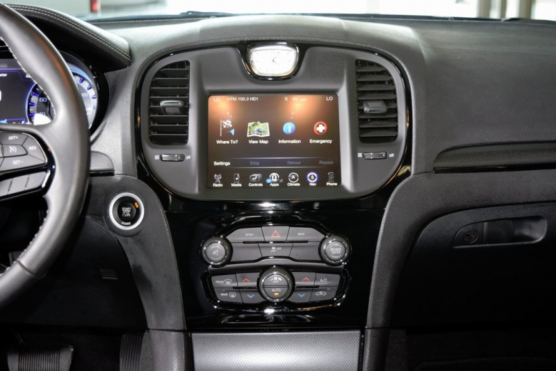 Chrysler 300 2015 price $25,222