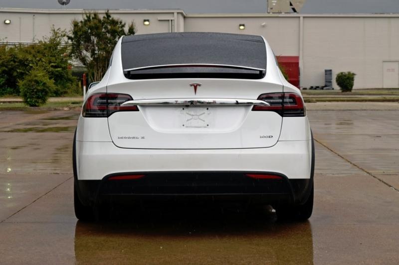 Tesla Model X 2018 price $82,750