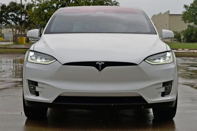 Tesla Model X 2018 price $95,900