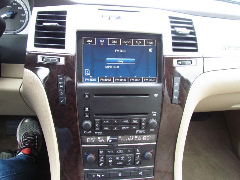 Cadillac Escalade Hybrid 2009 price $15,999