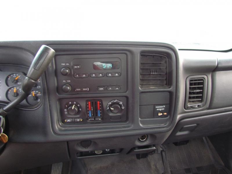 Chevrolet Silverado 2500HD 2004 price $2,499
