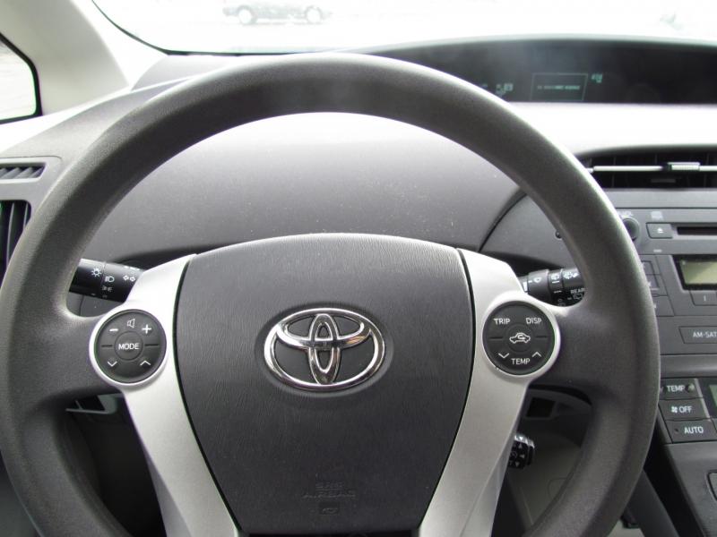 Toyota Prius 2011 price $7,999