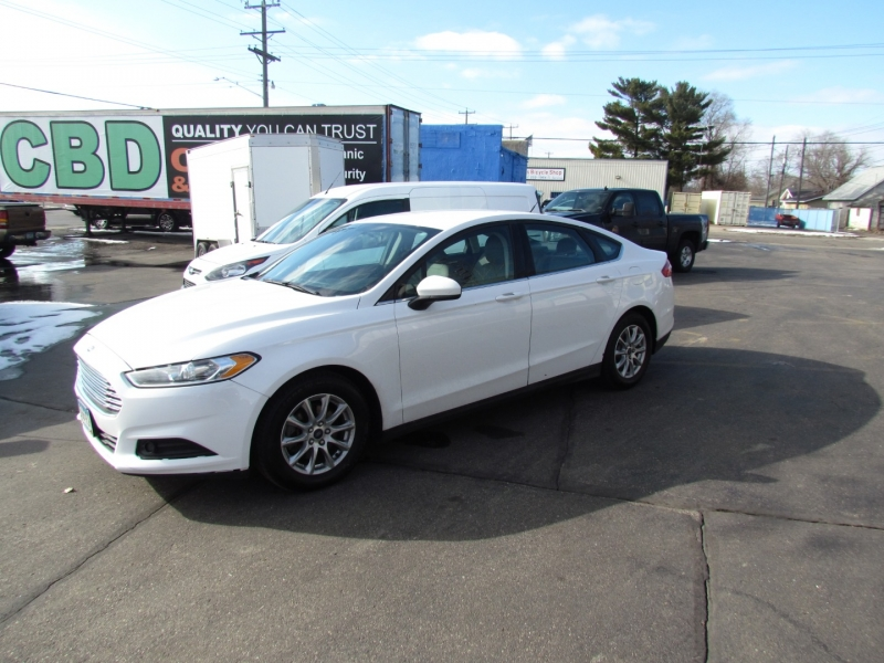 Ford Fusion 2015 price $5,425