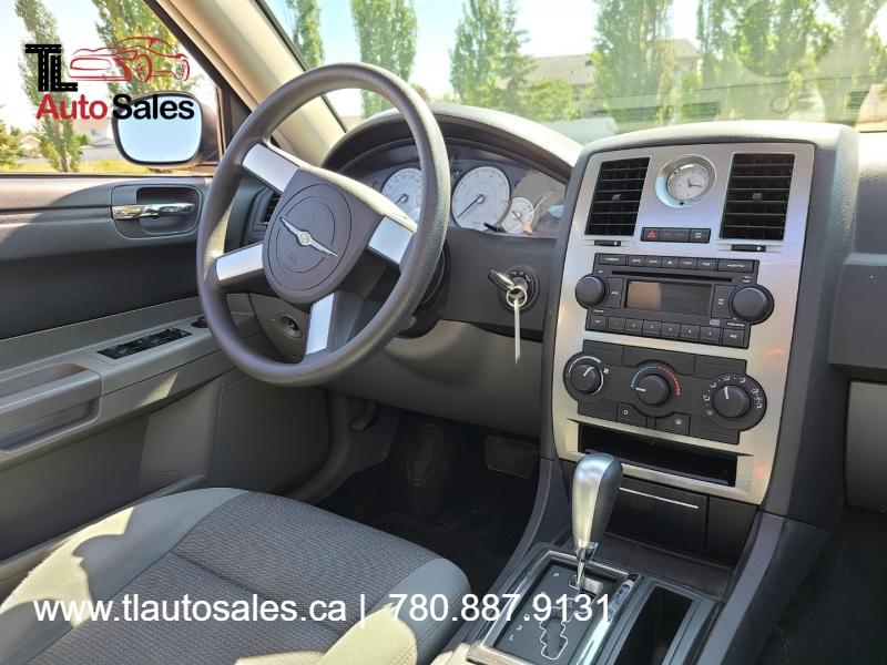 Chrysler 300-Series 2005 price $4,200