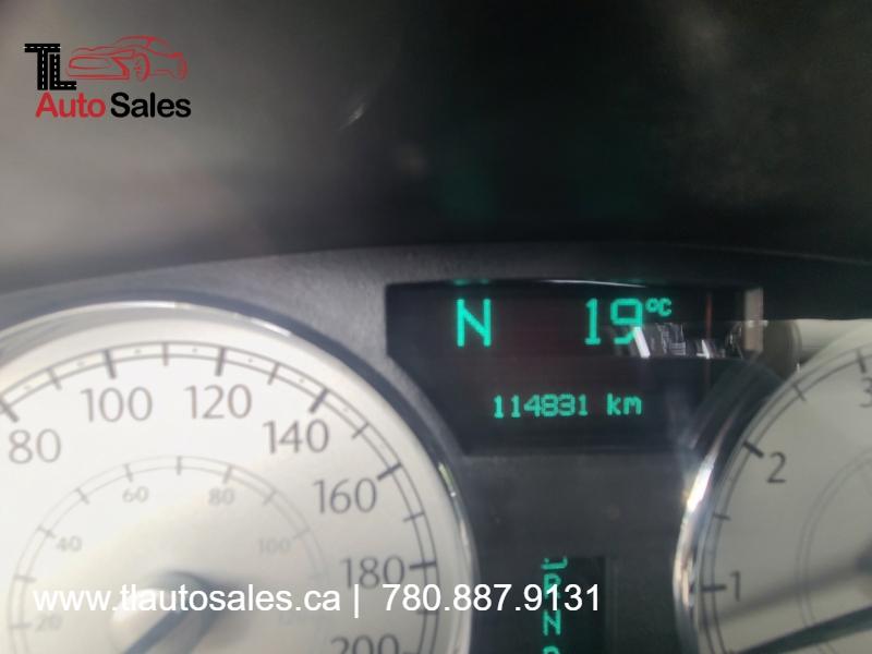 Chrysler 300 2005 price $5,999